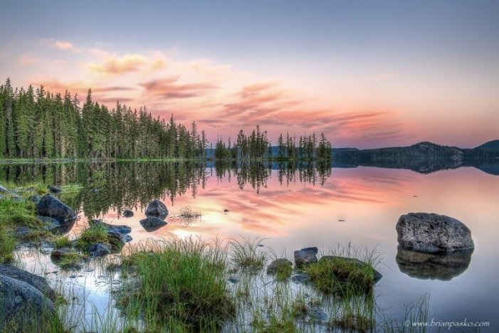 Photograph of Waldo Lake at dawn in Central Oregon.