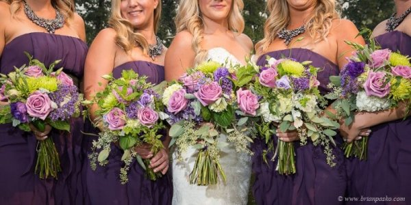 Portrait of Bride and Bridemaids with bouquets picture of wedding at Camas Meadows Golf Club in Washington.
