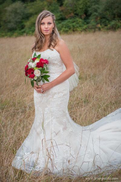 Portrait of the bride at the Heisen House Vineyard in Battle Ground Washington.
